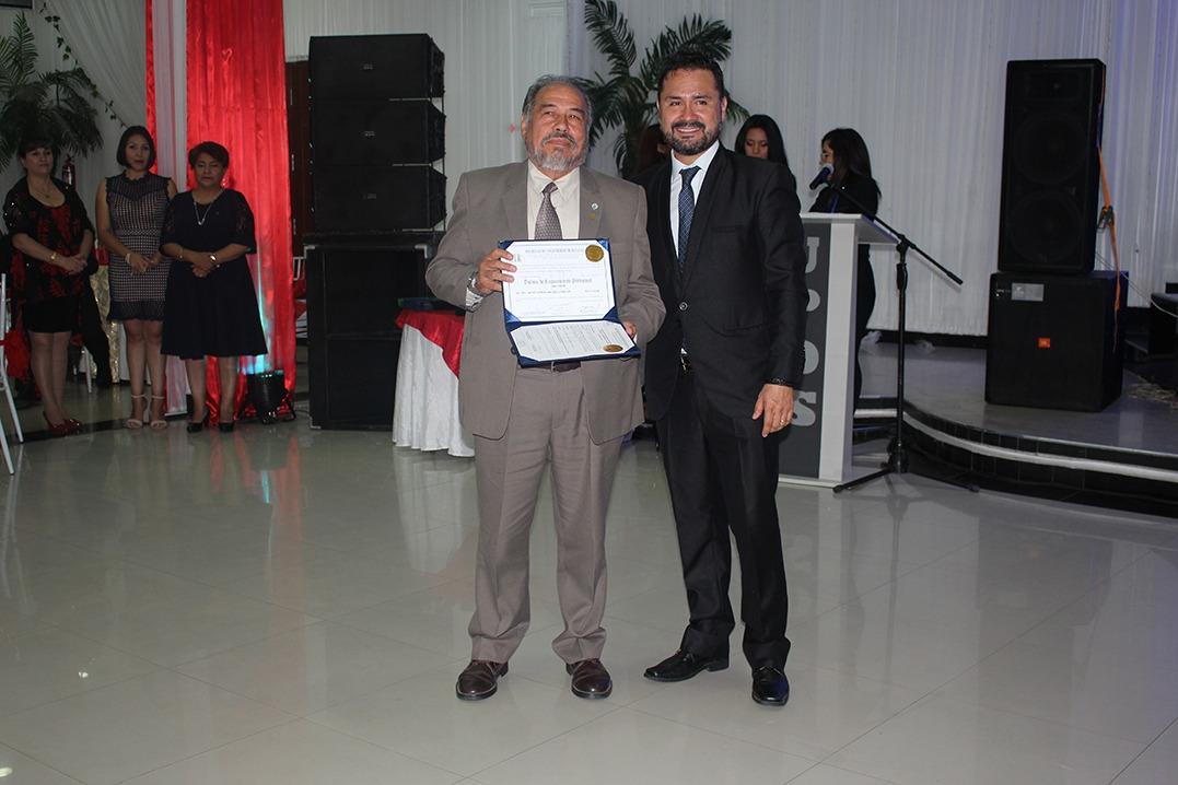 ACTO DE RECONOCIMIENTO AL MERITO PROFESIONAL SIB TARIJA 2019
